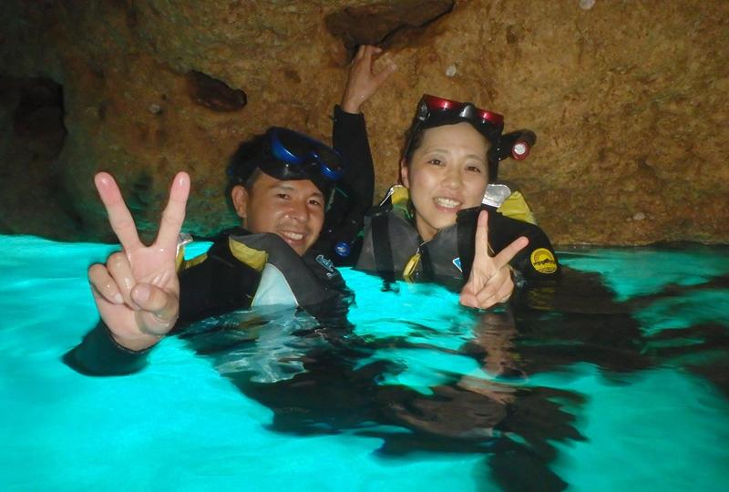 青之洞窟浮潛
