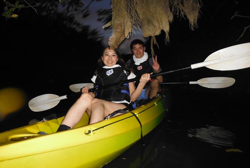 夜間獨木舟行程