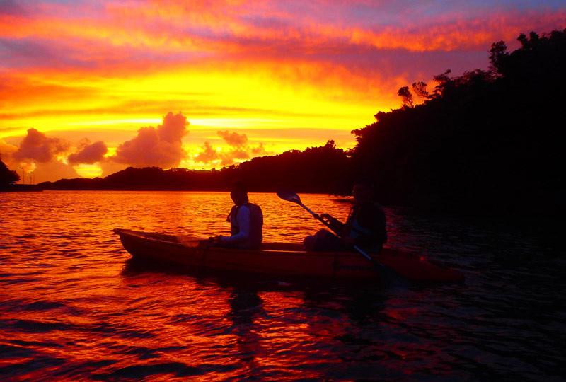 夕陽獨木舟行程